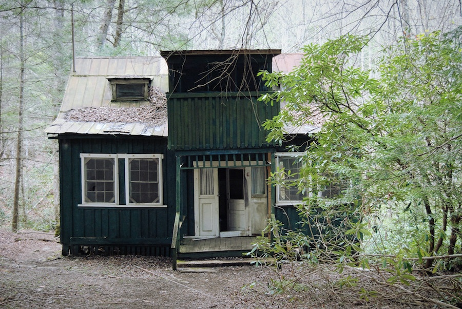 abandoned house2.jpg