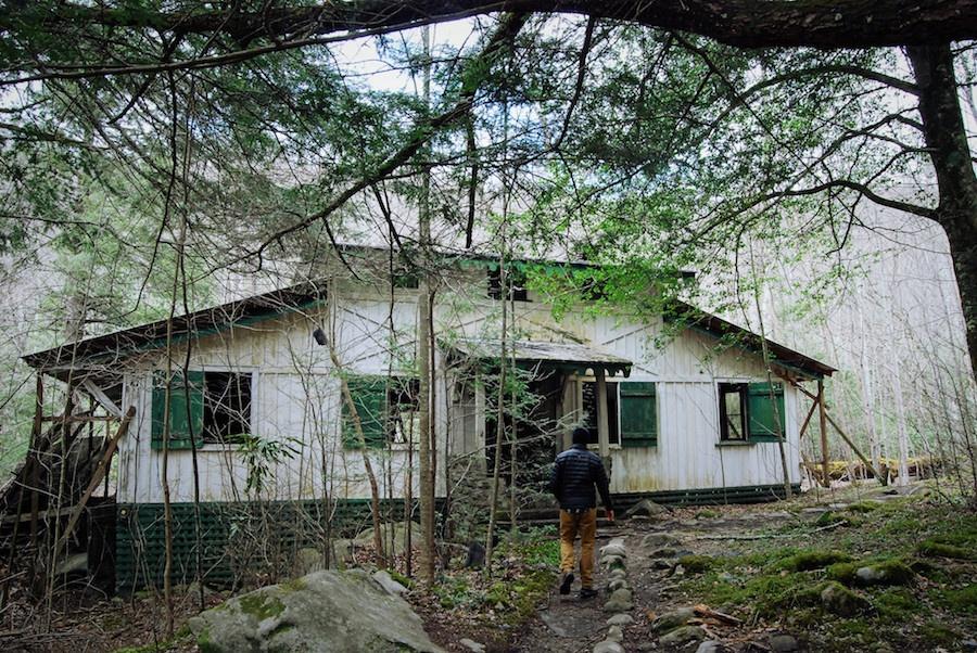 abandoned house4.jpg