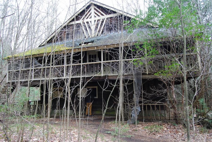 abandoned house5.jpg